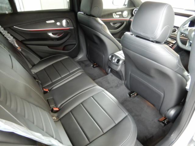 メルセデス・ベンツ M・ベンツ E250 ステションワゴンアバンGスポツ(本革仕様)