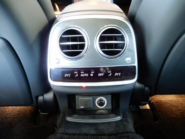 「その他」「メルセデスAMG」「セダン」「東京都」の中古車34