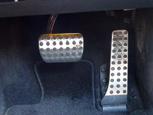 C200アバンギャルド AMGライン 追従クルコン 赤革 レーダーセーフティパッケージ レザーエクスクルーシブパッケージ AMGライン メタリックペイント(34枚目)