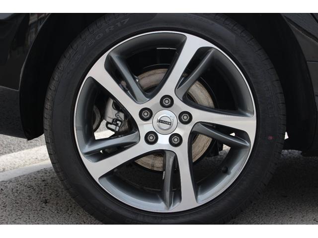 205/50R17インチのタイヤとアルミホイールです
