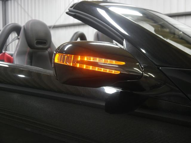 後期型専用アロースタイルドアミラーウィンカー・大型化を図ったドアミラーは視認性も向上しております。