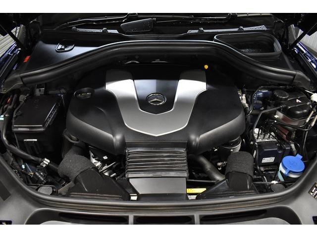 新型3.0リッターV型6気筒BlueTEC ディーゼルターボエンジン(258馬力 トルク63.2KG/W 燃費12.9KM/L カタログ値) 搭載!