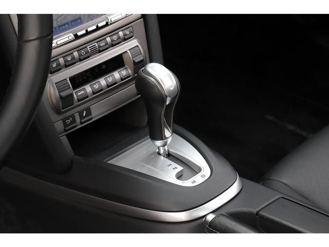 オプション装備のシートヒーターが備わっておりますので、冬場でも快適にお乗り頂けます。