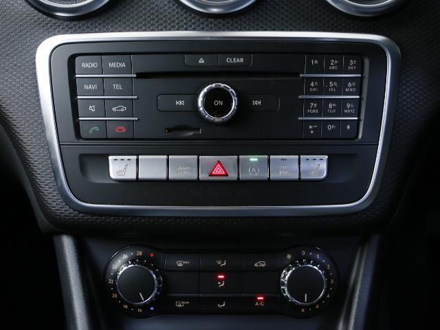 メルセデス・ベンツ M・ベンツ A180 レーダーセーフティパッケージ 4年保証 新車保証