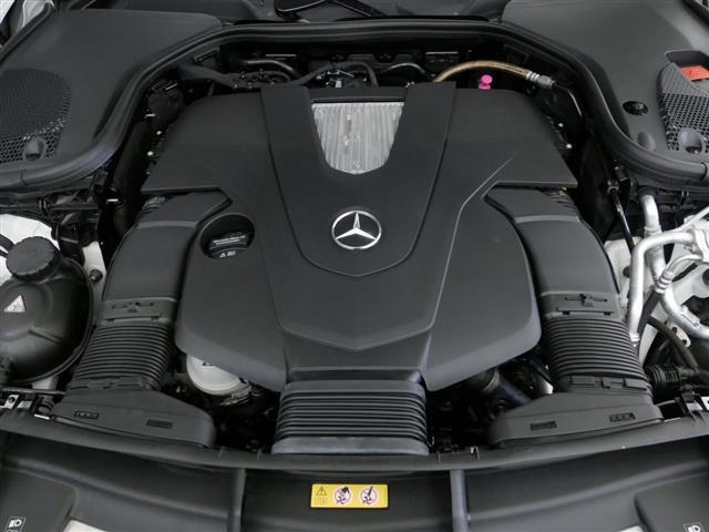 E400 4マチック エクスクルーシブ 1年保証 新車保証(8枚目)