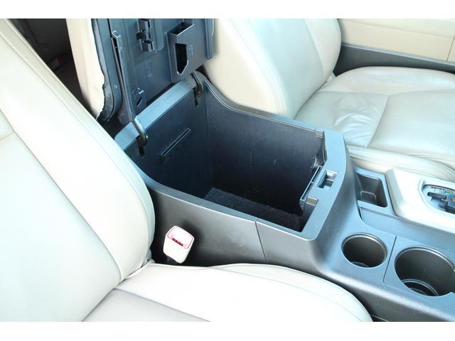 米国トヨタ タンドラ 自社輸入実走行 レザーシート HDDナビ トノカバー