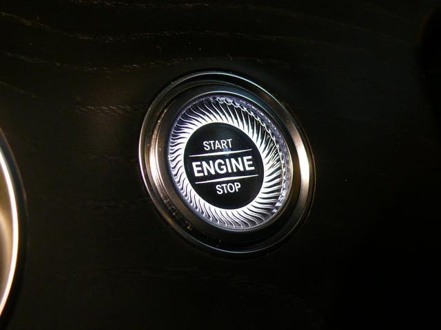 キーを取り出す事無くドアロックの施錠・開錠を行う事が可能なキーレススタートボタンを搭載!エンジン始動も容易なプッシュスタート式になります!非常に人気の高い装備となっております!047-390-1919