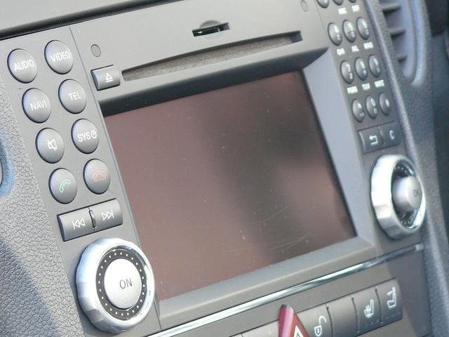 COMANDシステムに対応する純正HDDナビゲーション(地デジ対応)を搭載!音楽録音が可能なミュージックサーバーや、スマートフォン等との接続が可能なBluetoothハンズフリーもご使用頂けます!