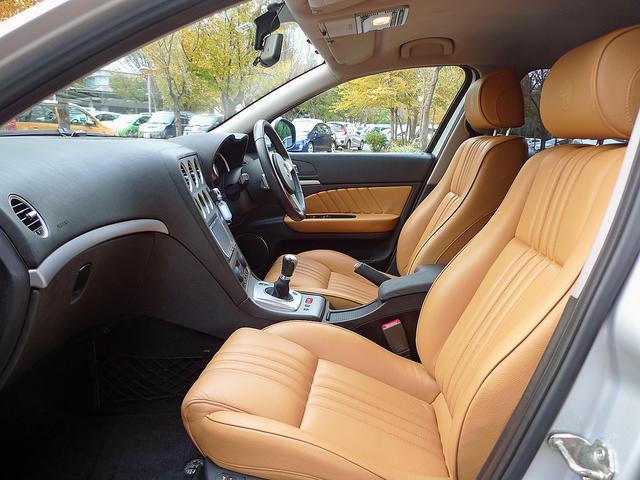 設計ではフロントシートに188cmの人が座っても、リアには178cmの人が快適に座る事が出来るように設計されております。