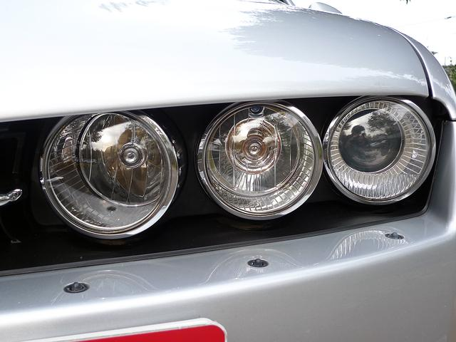 ヘッドライトウォッシャー付のキセノンヘッドライトです。