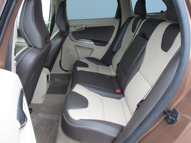 ボルボ ボルボ XC60 T5・ワンオーナー・弊社下取車・セーフティ・ナビ・レザーP