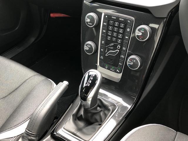 D4 ダイナミックエディション・登録済未使用車・特別仕様車(11枚目)