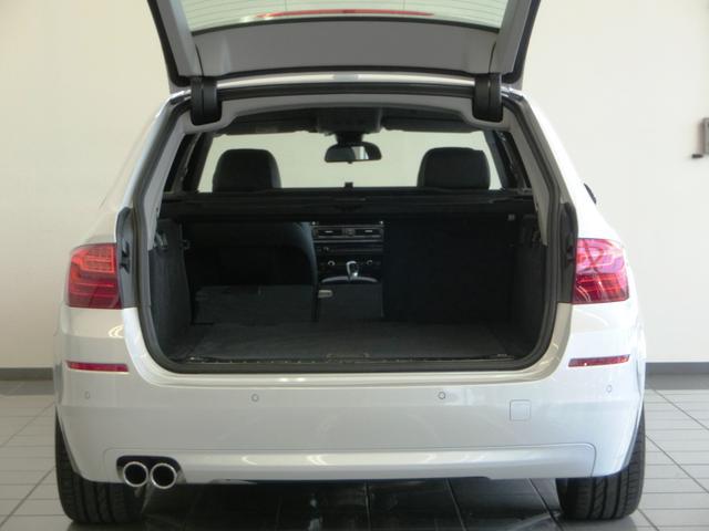 BMW BMW 523iツーリング ラグジュアリー ブラックレザーシート