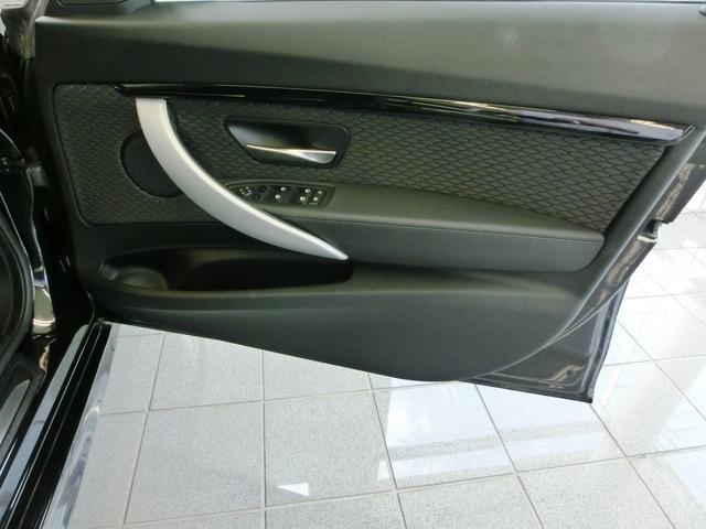 BMW BMW 335iグランツーリスモ Mスポーツ ドライビングアシスト