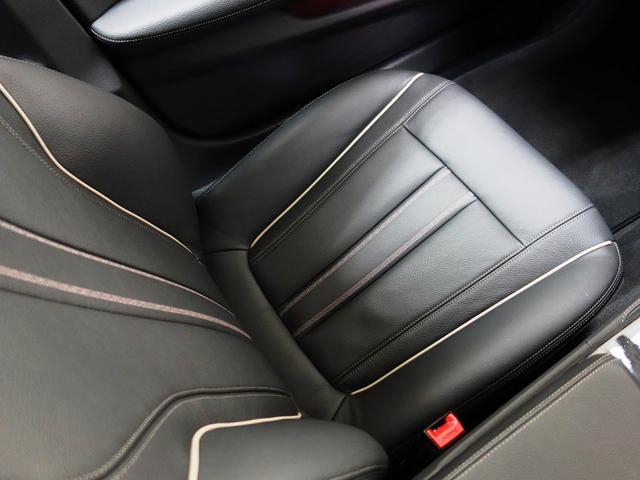 BMW BMW 530eラグジュアリー アイパフォーマンス ブラックレザー