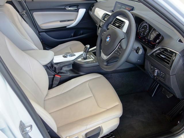 オイスターレザーシート シートヒーター機能付きで3段階の温度調整が可能です。