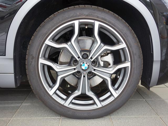 純正アルミホイールは、足周りの軽量化、ブレーキの冷却にも大変優れ、気持ちの良いクルージングを演出してくれます