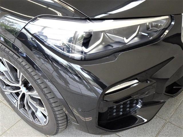 xDrive 35d Mスポーツ ブラックレザー コンフォートアクセス アダプティブMサスペンション ハイビームアシスタント リヤビューカメラ パーキングアシスプラス ヘッドアップディスプレー  20インチMライトアロイホィール(20枚目)