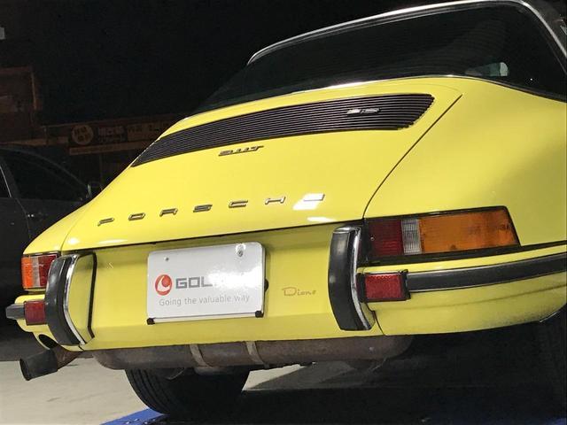 ポルシェ ポルシェ 911Tタルガ 5速マニュアル ハーフレザー 純正15AW