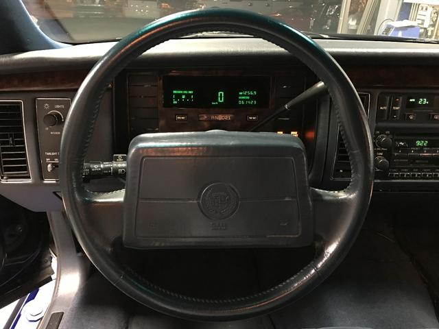 キャデラック キャデラック フリートウッド ブロアムエレガンス ディーラー車 レザーTOP 純正15AW
