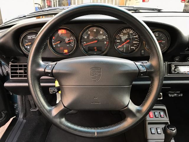 ポルシェ ポルシェ 911カレラ ブラックレザー Rウイング イエローキャリパー