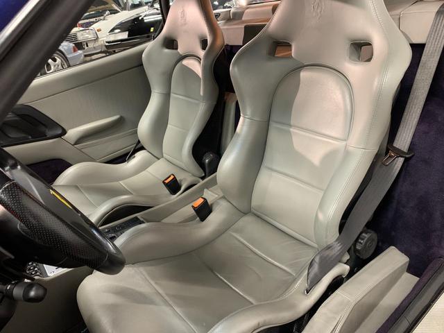 ベルリネッタ フィオラノハンドリングPKG ディーラー車 左ハンドル グレーレザー カーボンスポーツシート 純正18AW クライスマフラー 可変バルブ フェラーリバッグ XRシャーシ タイベル履歴 レッドキャリパー(7枚目)