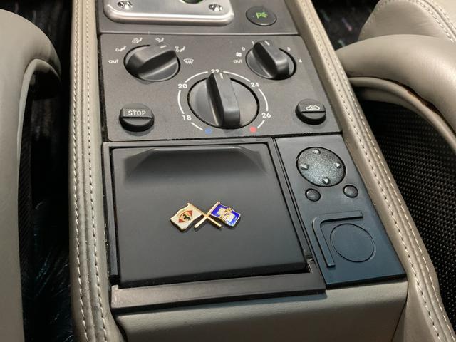 ベルリネッタ フィオラノハンドリングPKG ディーラー車 左ハンドル グレーレザー カーボンスポーツシート 純正18AW クライスマフラー 可変バルブ フェラーリバッグ XRシャーシ タイベル履歴 レッドキャリパー(14枚目)
