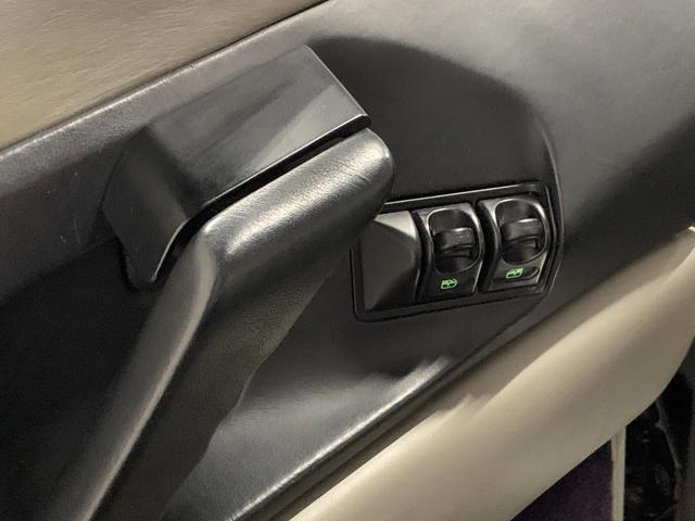 ベルリネッタ フィオラノハンドリングPKG ディーラー車 左ハンドル グレーレザー カーボンスポーツシート 純正18AW クライスマフラー 可変バルブ フェラーリバッグ XRシャーシ タイベル履歴 レッドキャリパー(39枚目)