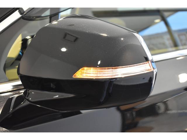 プラチナム 認定中古車保証 盗難防止装置付き 前後障害物センサー 純正20インチアルミホイール MTモード付9AT レーンアシスト パークアシスト 4WD ステアリングヒーター ワンオーナー(40枚目)