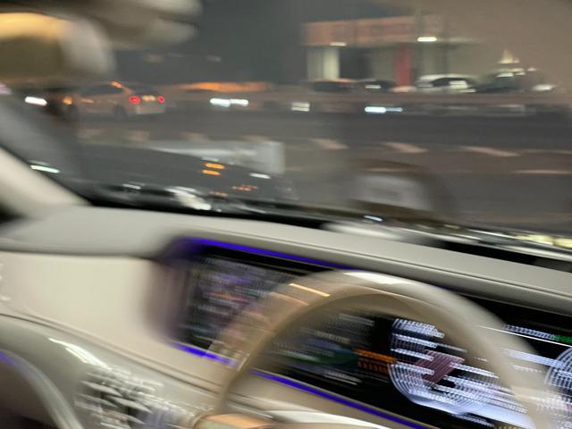 S550ロング デジーノウッド 白革内装 ショーファーP 後期ライト(4枚目)