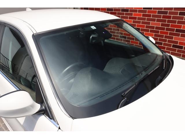 320i ハイラインパッケージ 後期直噴170馬力モデル BMWパフォーマンスマフラー スポーツテクニック18インチ 黒革シート(13枚目)
