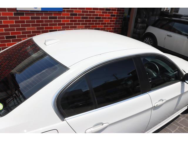 320i ハイラインパッケージ 後期直噴170馬力モデル BMWパフォーマンスマフラー スポーツテクニック18インチ 黒革シート(14枚目)