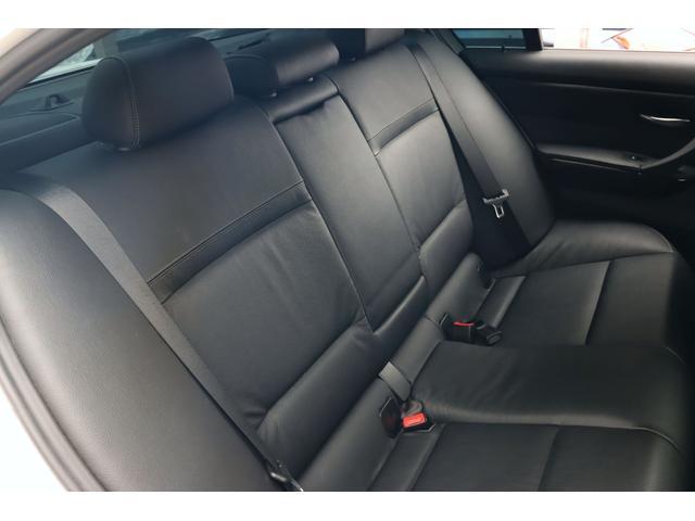 320i ハイラインパッケージ 後期直噴170馬力モデル BMWパフォーマンスマフラー スポーツテクニック18インチ 黒革シート(35枚目)