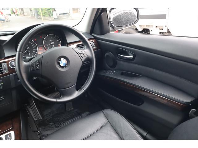 320i ハイラインパッケージ 後期直噴170馬力モデル BMWパフォーマンスマフラー スポーツテクニック18インチ 黒革シート(39枚目)