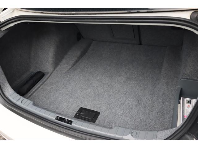 320i ハイラインパッケージ 後期直噴170馬力モデル BMWパフォーマンスマフラー スポーツテクニック18インチ 黒革シート(52枚目)
