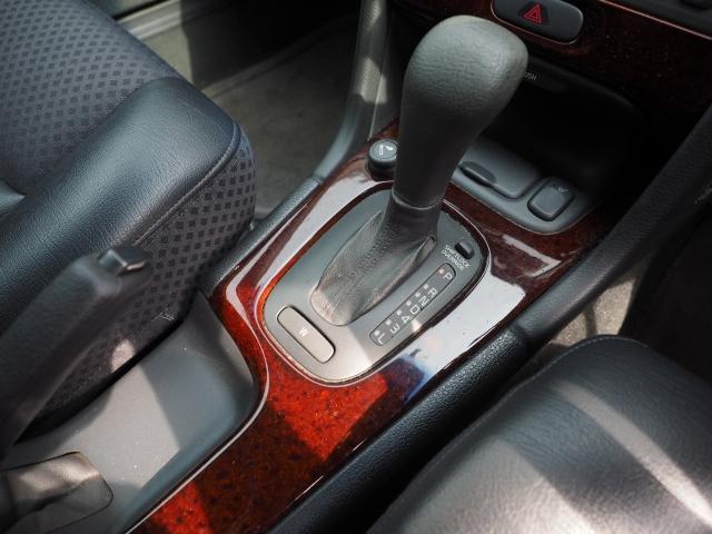 ボルボ ボルボ V70 2.4 ベース グレーコンビ革  最終モデル キーレス