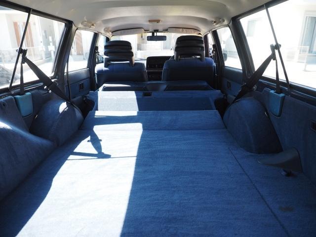 ボルボ ボルボ 240 純正コロナAW モケットシート ブルーインテリア 最終モデル