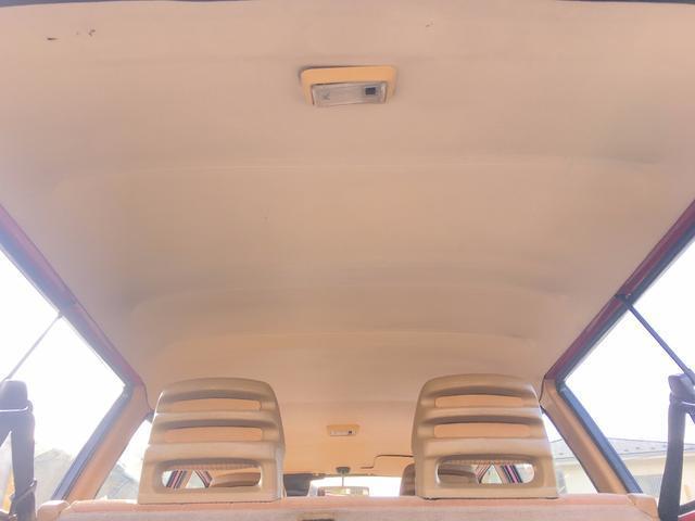 ボルボ ボルボ 240GLワゴン 珍しいベージュモケットシート