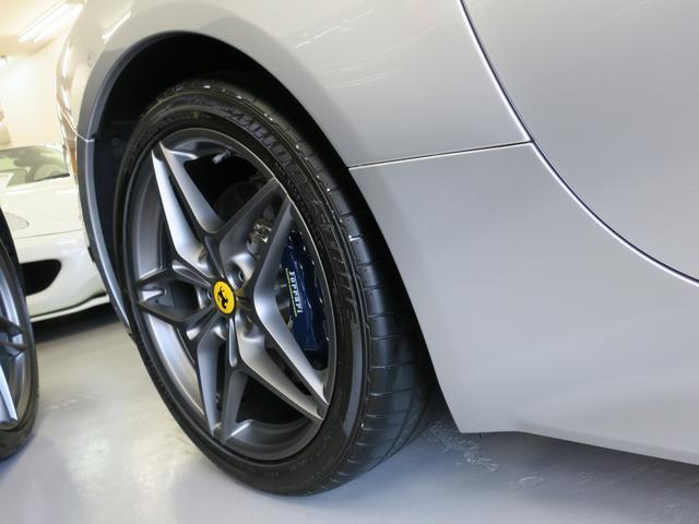 フェラーリ フェラーリ カリフォルニアT OP20インチ 1オーナー カーボンブレーキ 左ハンドル