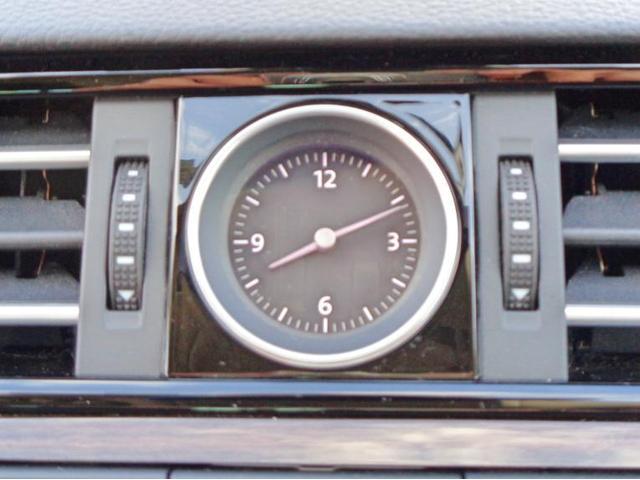 アクセントとなるアナログ時計です。