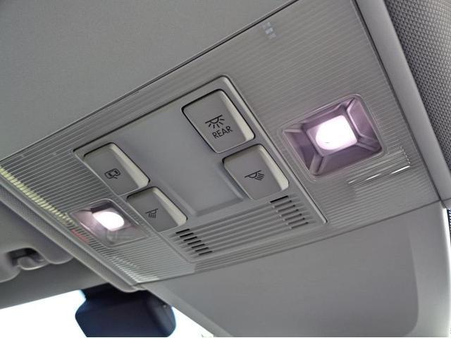 ルームランプにも明るさのあるLEDを使用しております