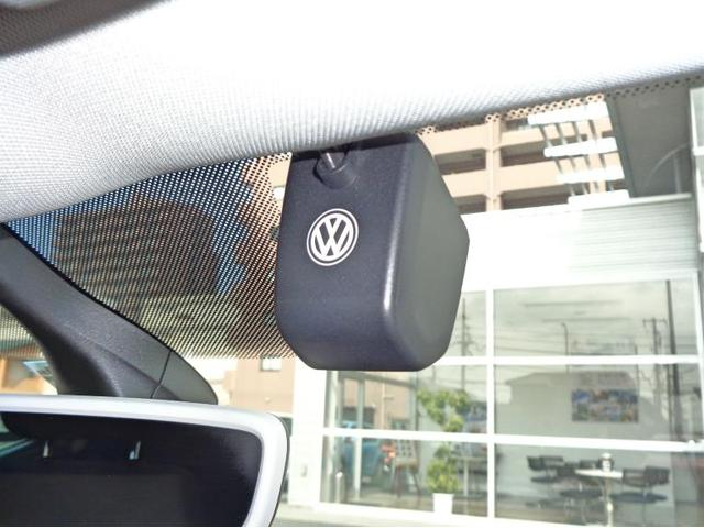 純正ドライブレコーダーが装着されています