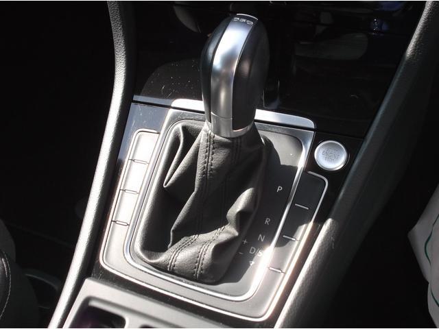 ボタン一つでエンジン始動が可能なスマートエントリー&スタートシステムを搭載。7速デュアルクラッチトランスミッションはさらに洗練され滑らかでダイレクトなシフトチェンジを実現しております。