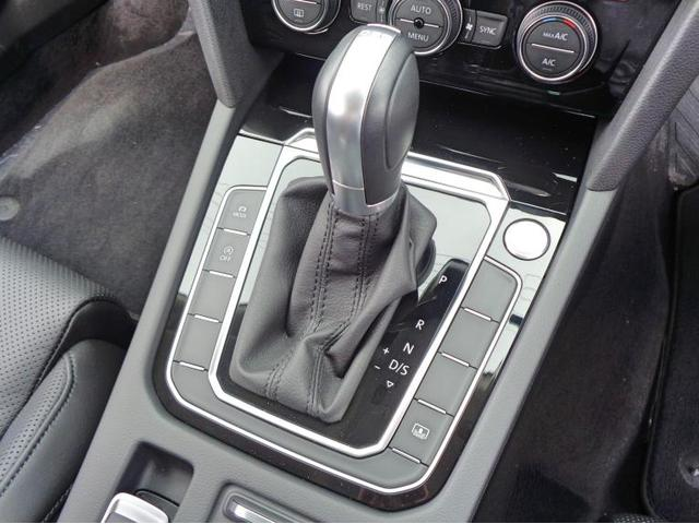 ボタンを押すだけでエンジン始動が可能なスマートエントリー&スタートシステムを搭載。6速DSGは滑らか且つ素早いシフトチェンジが可能です。