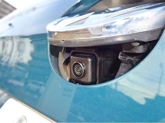 リヤビューカメラは後方の視界を確保します。 ガイドラインがあるので駐車の際も安心です。