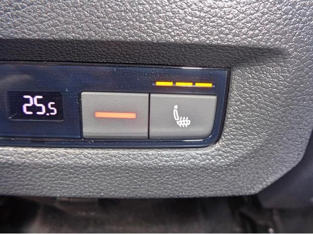 2列目シートもシートヒーター完備で寒い冬も快適なドライブが楽しめます。