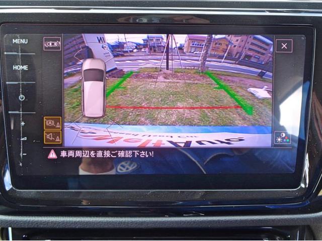 リヤビューカメラとパークディスタンスコントロールで駐車の際も安心です。
