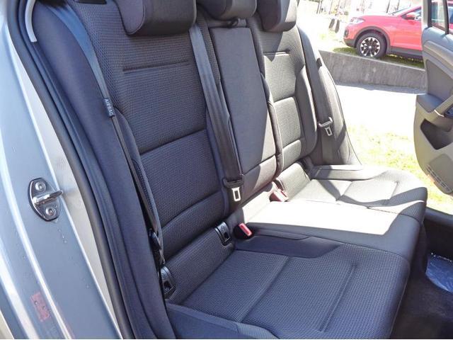 リヤシートも同様に綺麗な状態が保たれております。