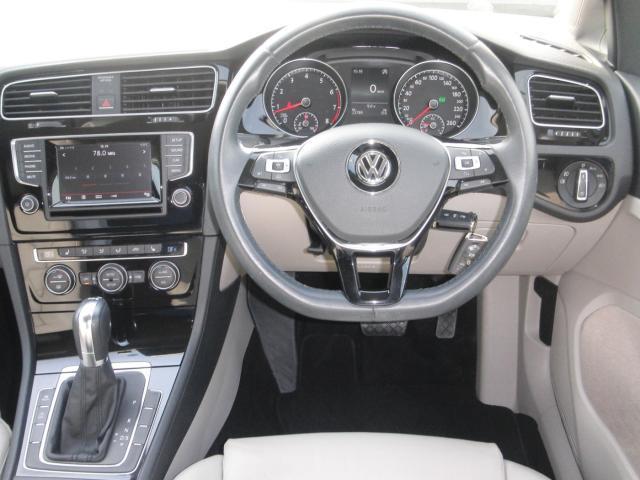 フォルクスワーゲン VW ゴルフ TSI Highline レザーシート