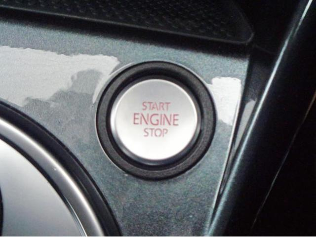 ボタンでエンジンの始動・停止が可能なスマートエントリー&スタートシステムを装備しております